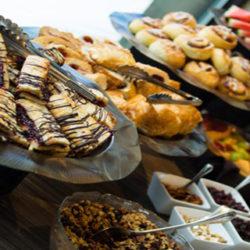 Cómo enfrentarte al temido buffet libre de desayuno