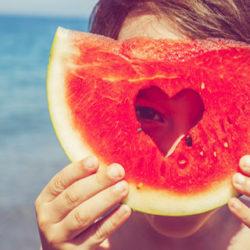 Frutas de verano para niños: melón y sandía