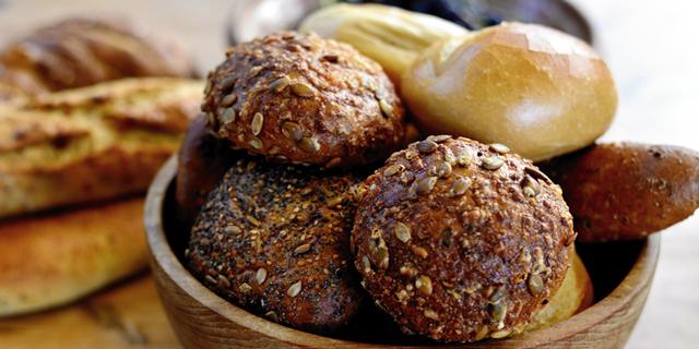 pan integral y blanco
